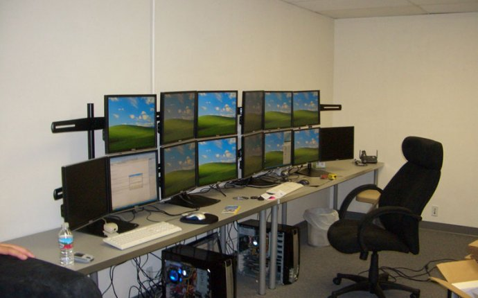 Multi-Monitor Gallery - Record 742